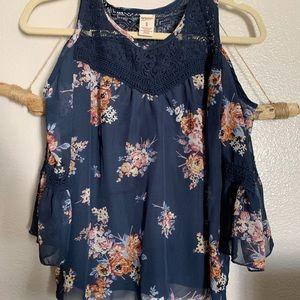 Little girl's blouse